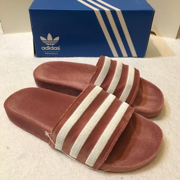 best sneakers 70d61 1089a Adidas Velvet Slides
